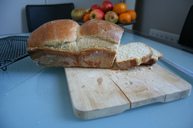 Simple Milk Loaf 04